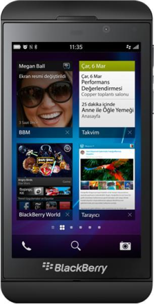 BlackBerry Z10 ve BlackBerry Q10 karşılaştırması