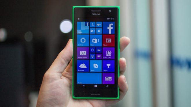 Nokia Lumia 735 (1)