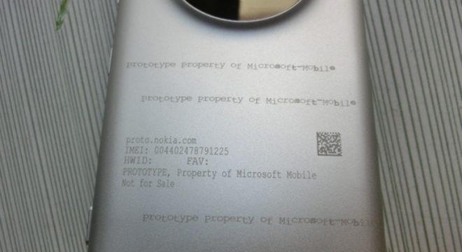 Bu Prototip Microsoft Nokia Lumia 1020 McLaren olabilir !
