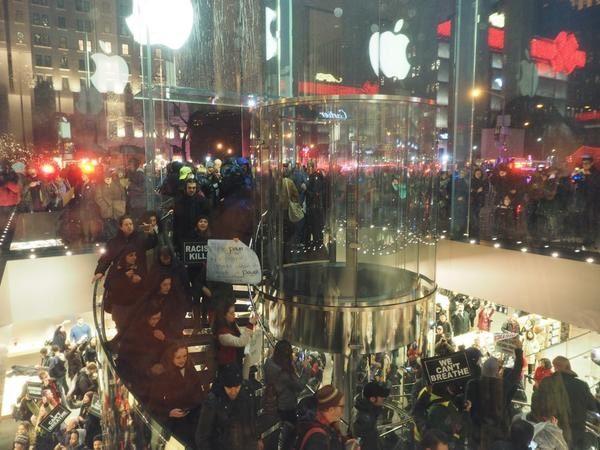 amerikadaki-protestolar-apple-a-kadar-uzandi-01