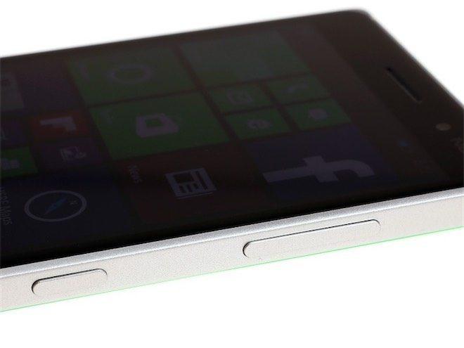 Nokia Lumia 830-19