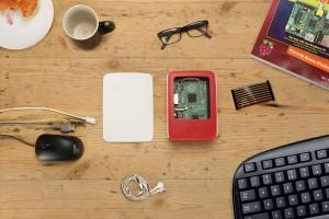 Raspberry Pi 2'nin orjinal kasası ve Model B+ Kinneir Dufort ortaklığı ile hazırlandı ve üretildi.