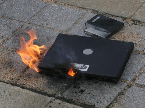 laptop-yanıyor