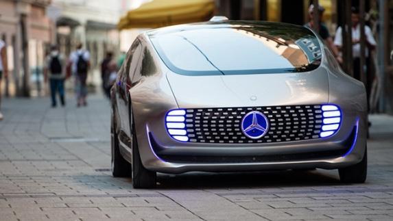 Mercedes Benz Elektrikli Otomobil ile Geliyor!