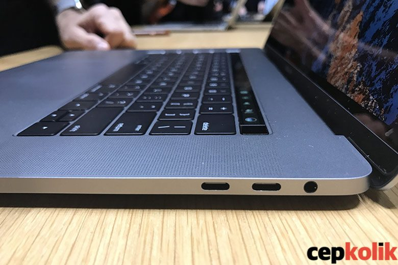macbook pro 2016 usb type-c