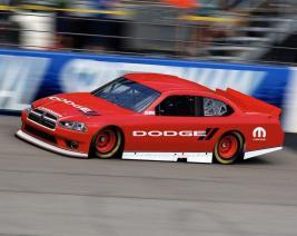 Dodge, NASCAR'a Dönmeyi Düşünüyor