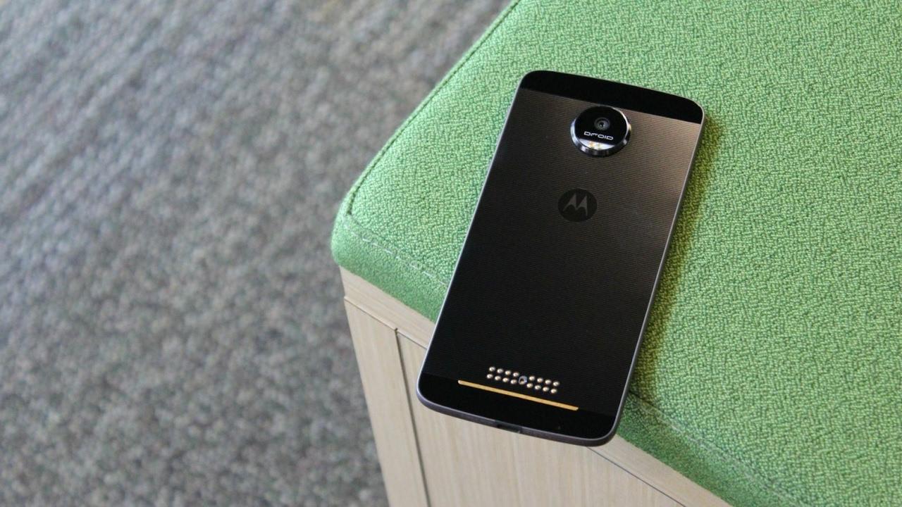 Lenovo Yeni Motorola Cihazı İçin Davetiye Yayınladı, Moto Z2 Olabilir