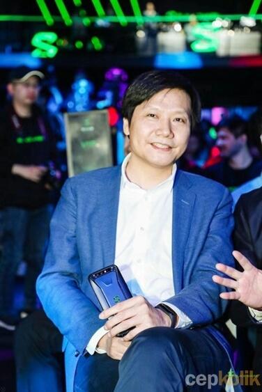 Xiaomi Mi Band 3 CEO'nun Kolunda Görüntülendi!