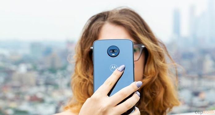 Motorola Moto Z3 Play Tanıtıldı - Özellikleri ve Fiyatı