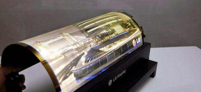 LG Katlanalabilir Akıllı Telefonu