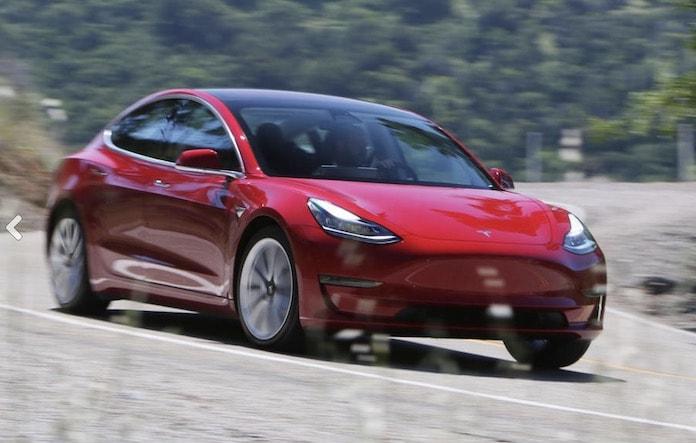 Tesla Model 3 Üretimini Arttırmak İstiyor