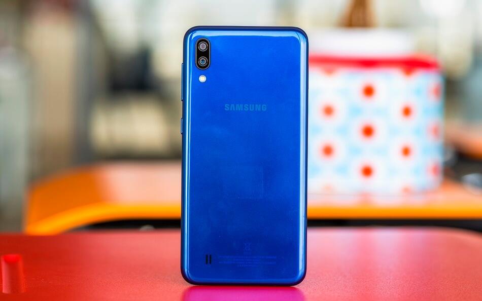 Samsung Galaxy M10 İncelemesi