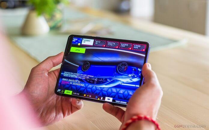 Samsung Fold Bazı Uygumalarda Sorun Yaşıyor