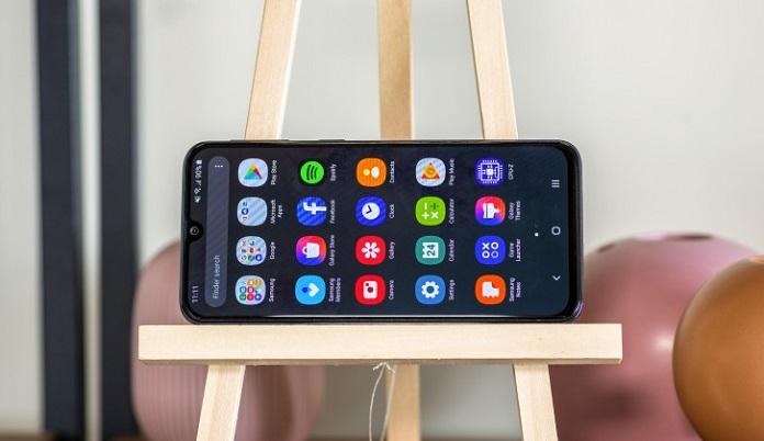 Samsung Galaxy A40 Rekabet
