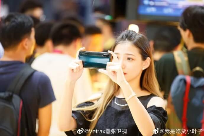 iQOO Pro 5G Canlı Canlı Görüntülendi!