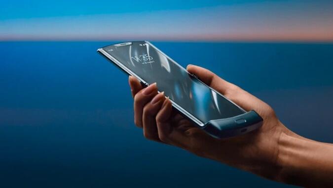Motorola Razr vs Samsung Galaxy Fold Karşılaştırması