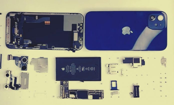 Apple iPhone 12 Parçalara Ayrıldı - İşte Telefonun İç Donanımı