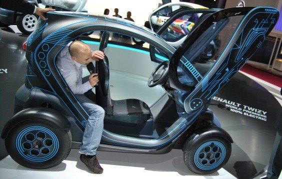 Renault'un Yeni Elektrikli Arabası Karşınızda