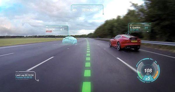 Jaguar ile araba sürüşlerinde sanallık kazanın