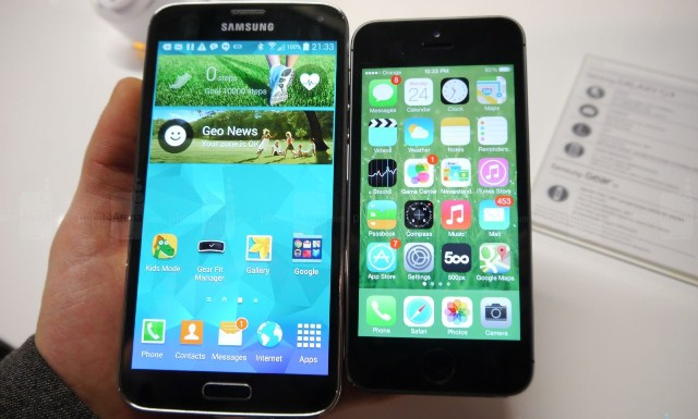 samsung-galaxy-s5-vs-apple-iphone-5s-first-comparison